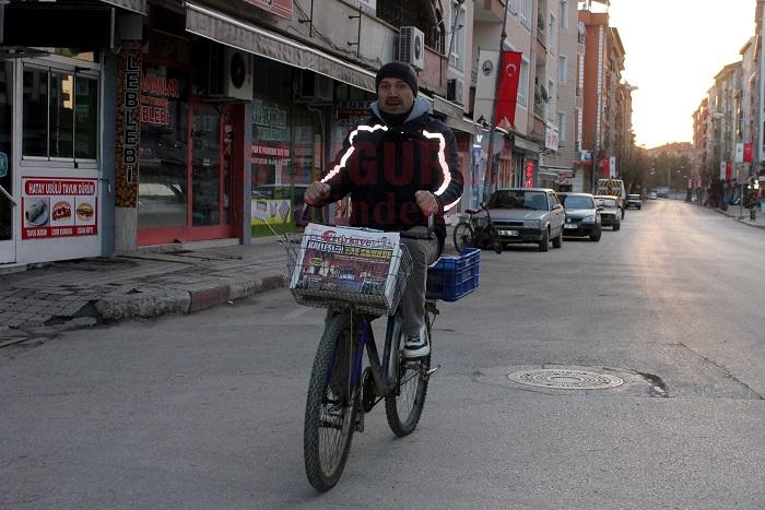 20 Yıldır Aynı Bisikletle Gazete Dağıtıyor