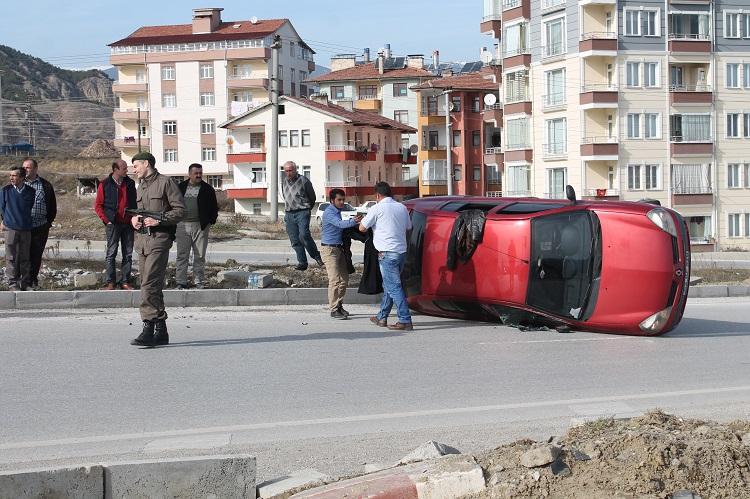 Çorum Kavşağında Kaza:2 Yaralı