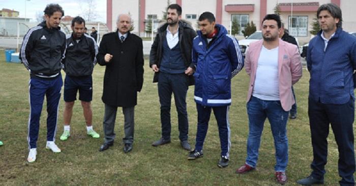 Gül'den Futbolculara Uyarı