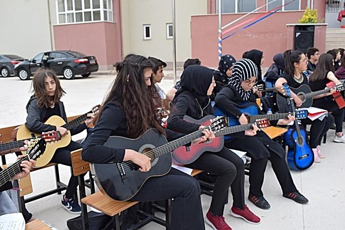 Öğrenciler Bahar Şenliğinde Buluştu