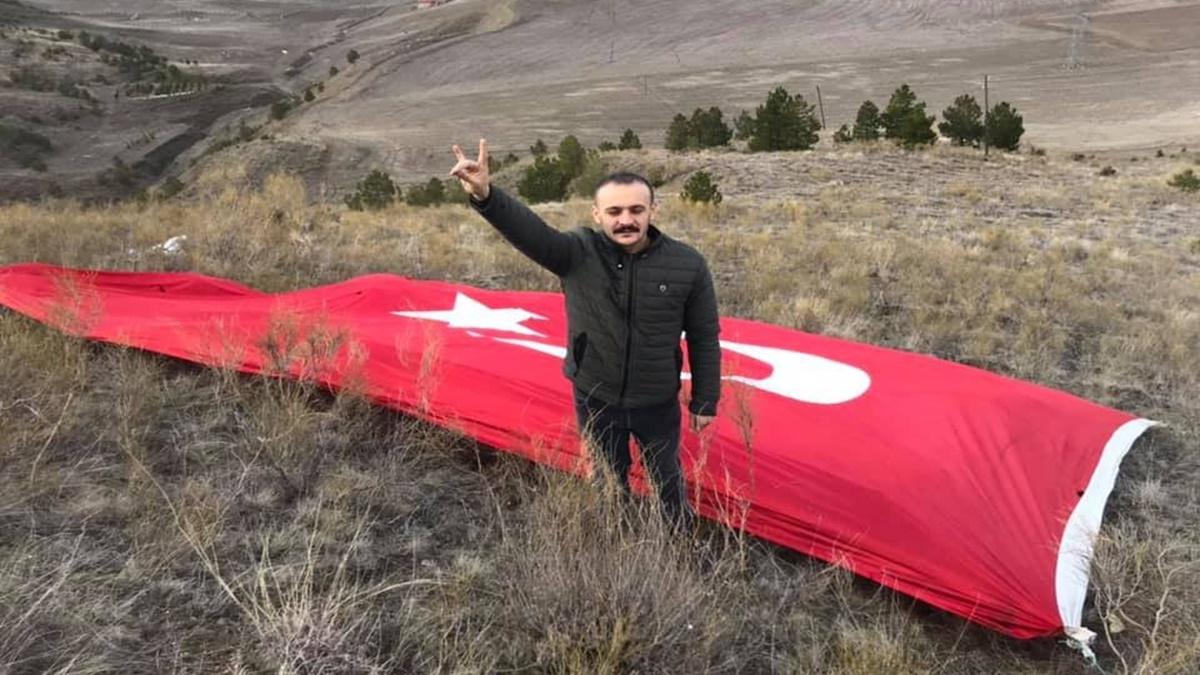 Manastır Tepesine Dev Türk Bayrağı