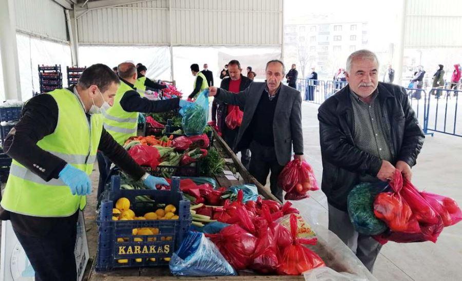 Maliyetine Sebze-Meyve Satışları Başladı