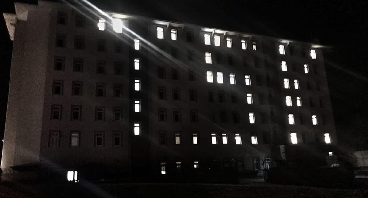 Oda Işıkları İle 'TSK' Yazdılar