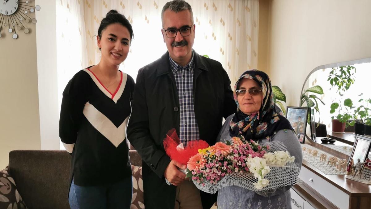 AK Parti'den Şehit Annelerine Ziyaret
