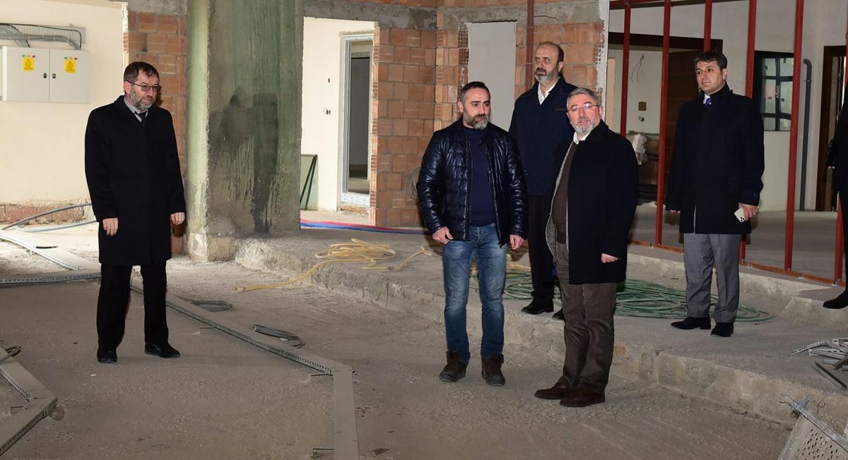 Aşgın, Yeni Belediye Binasındaki Çalışmaları İnceledi
