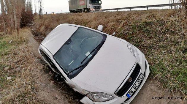 Otomobil Ağaca Çarptı:1 Ağır 2 Yaralı