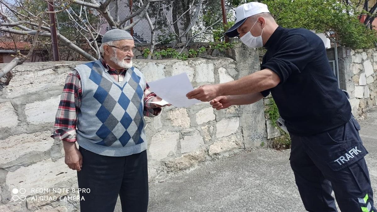 Mustafa Amca Bin Lira Bağış Yaptı