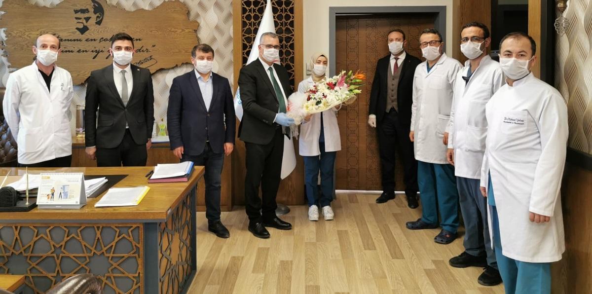 AK Parti'den Sağlık Çalışanlarına Moral