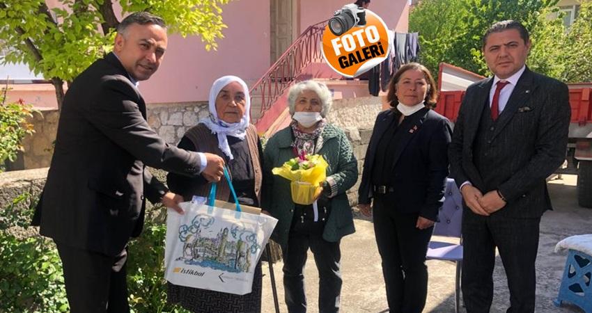 CHP'den Şehit Annelerine Anlamlı Ziyaret