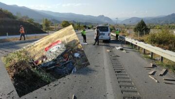 Minibüs, Traktöre Çarptı: 1 Yaralı