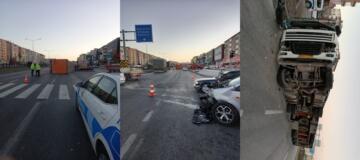 Kırmızı Işıkta Geçen Otomobile TIR Çarptı