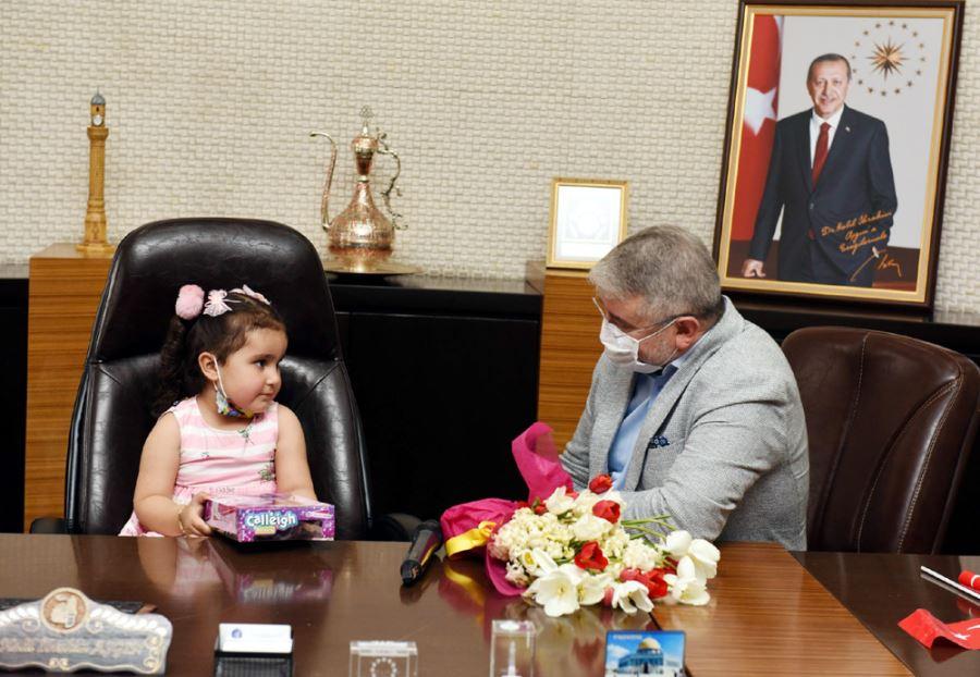 Başkan Koltuğunu Aymina'ya Bıraktı