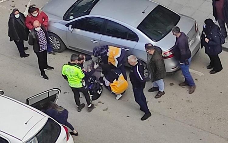 Karşıya Geçmeye Çalışan Kadına Otomobil Çarptı