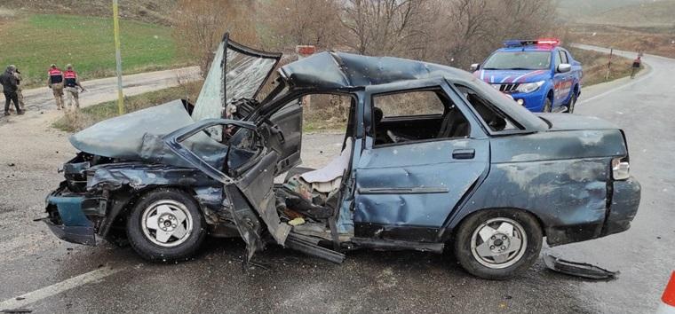 Zile-Çorum Yolunda Kaza: 1 Ölü, 2 Yaralı