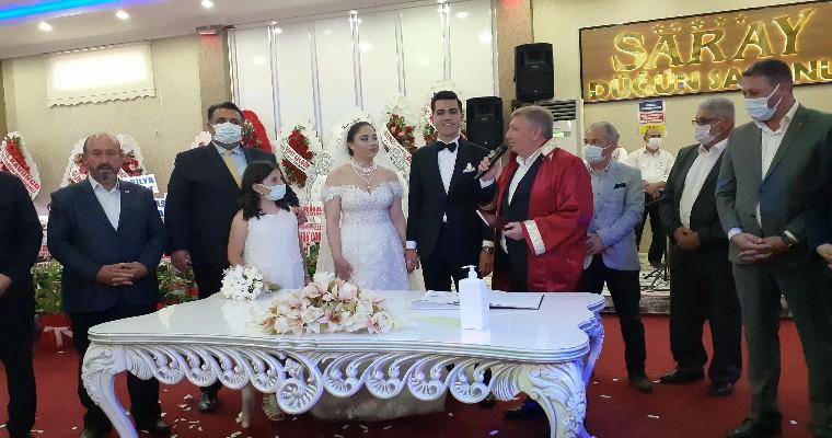 İş Dünyası ve Siyasetçiyi Buluşturan Düğün