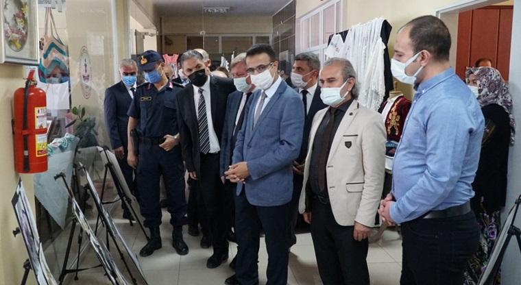 Osmancık HEM Yılsonu Sergisini Açtı