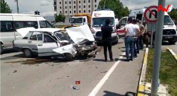 Otomobil İle Minibüs Çarpıştı : 5 Yaralı