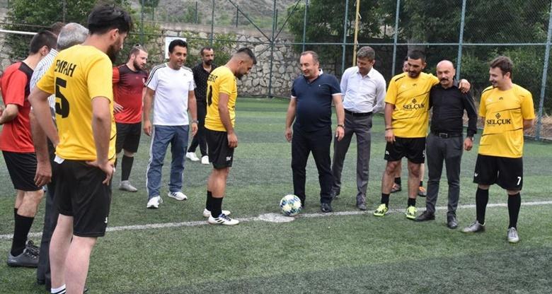İskilip'te Halısaha Futbol Turnuvası Başladı
