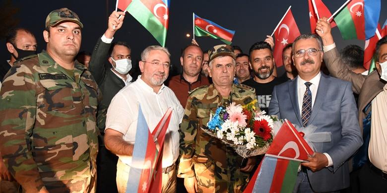 Çorum'da Azerbaycanlı Ekibe Sevgi Seli
