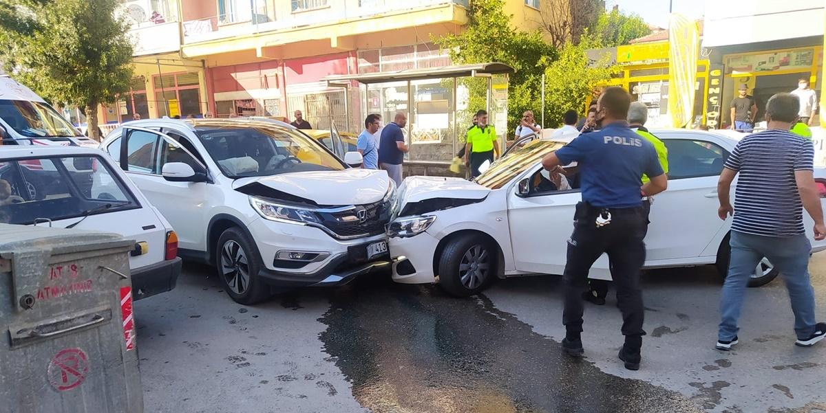 Çorum'da Zincirleme Trafik Kazası: 5 Yaralı