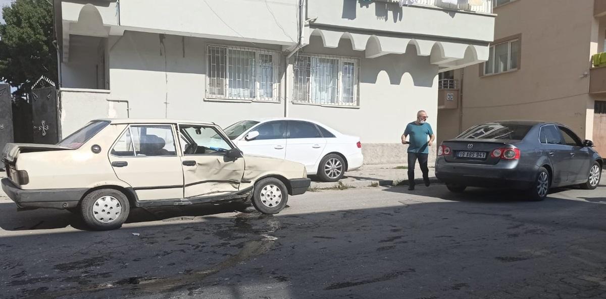 Sungurlu'da İki Otomobil Çarpıştı: 1 Yaralı