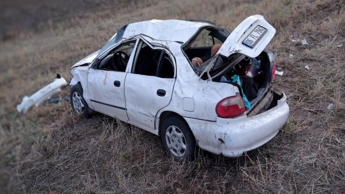 Otomobil Devrildi: 2'si Ağır 5 Yaralı