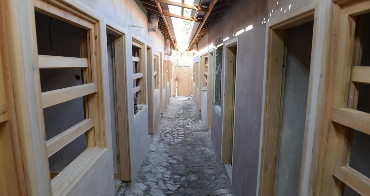 Tarihi Arastada Taş Zeminler Gün Yüzüne Çıktı